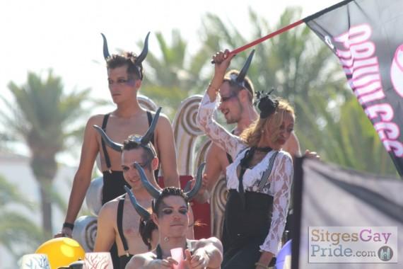sitges-gay-pride-parade-081